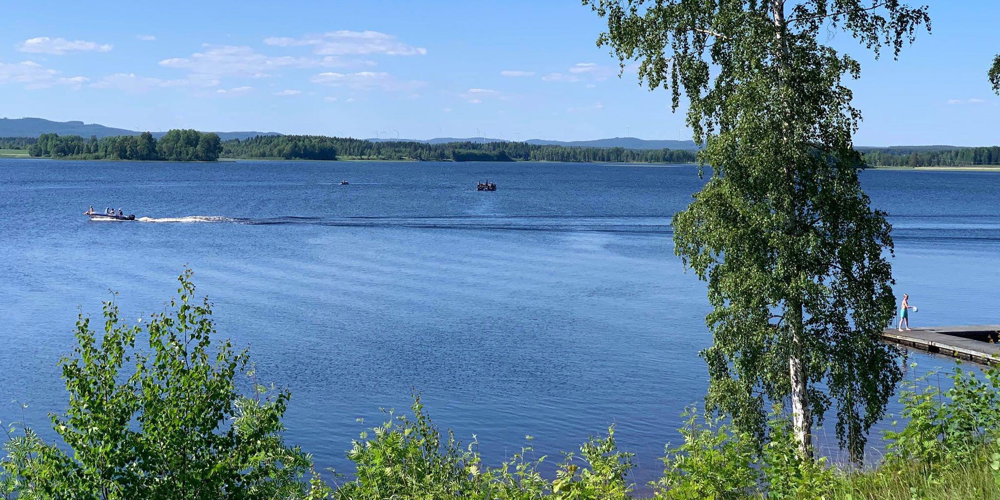 Sommarvy över Bysjön
